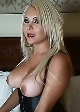 Blonde TransBabe CUMMING BY THE POUND