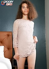 Jojo Hunt is a super sexy tgirl with an amazing body, long legs and a perfect booty! Watch her stroking her cock and posing!