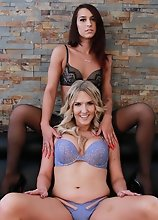 Khloe Kay and Kayleigh Coxx creampie threesome!