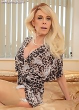 Joanna Jet - Cougar Seduction